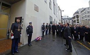 Francois Hollande devant les locaux de Charlie Hebdo, le 5 janvier 2015. Benoit Tessier, Pool Photo via AP.