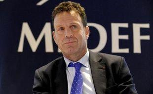 Le vice-président du Medef, Geoffroy Roux de Bézieux, lors d'une réunion à Paris, le 4 décembre 2014
