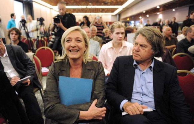 Marine Le Pen, Gilbert Collard lors du  premier colloque du club «Idées et Nation» à Paris, le 16 juin 2011.