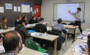 Strasbourg le 6 novembre 2015. Cours de français à l'université de Strasbourg pour des étudiants réfugiés syriens et irakiens.