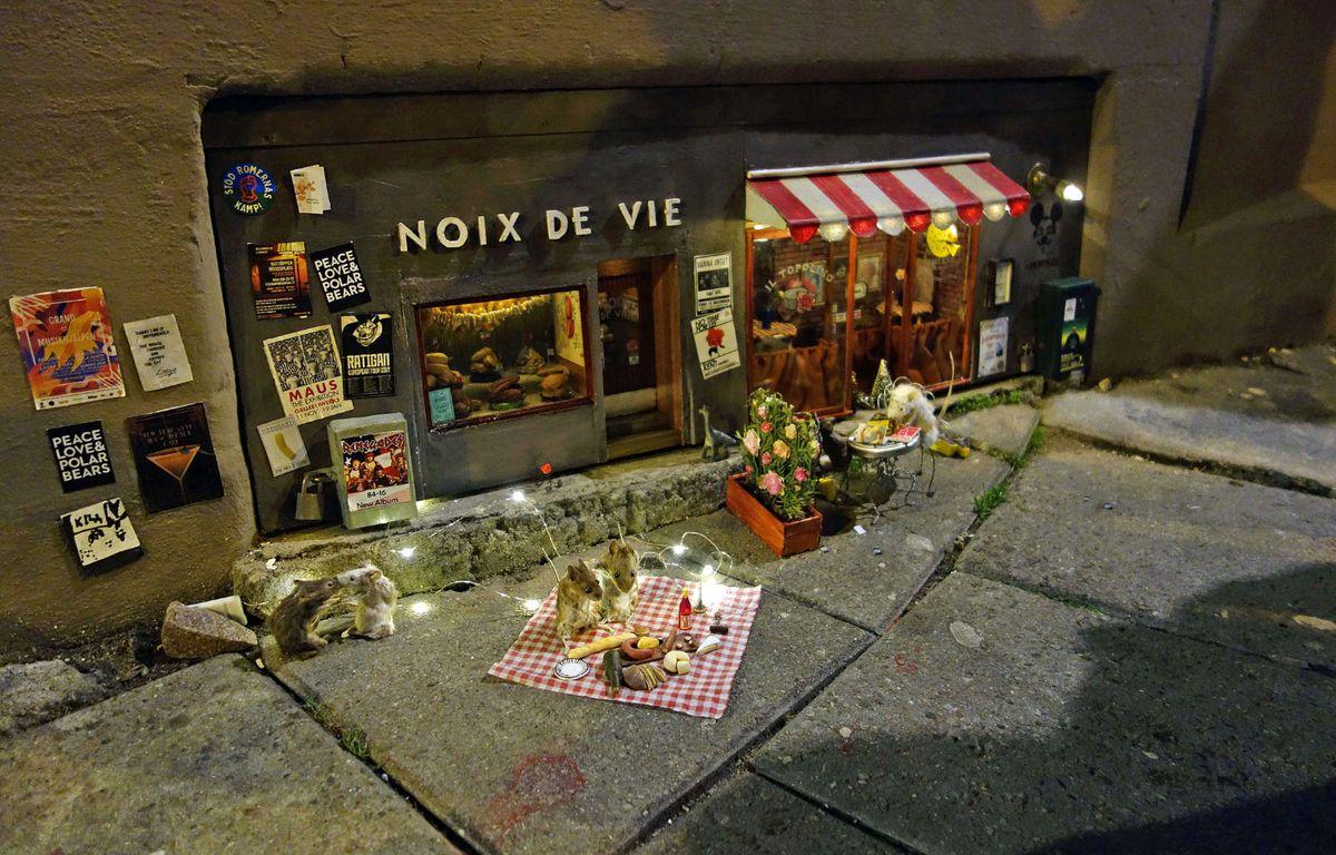 1200x768_cafe-miniature-installe-ville-m