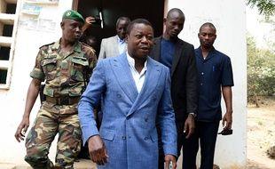 Le président du Togo, Faure Gnassingbé, à la sortie de son bureau de vote le 22 février 2020.