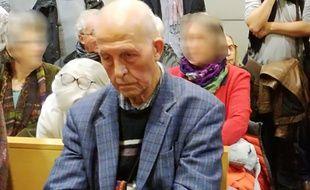 L'ancien curé Régis Peyrard, le 20 novembre au tribunal correctionnel de Saint-Etienne.
