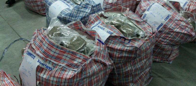 Les douaniers de Périgueux ont saisi 248 kg de cannabis sur l'A89