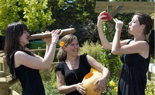 Membres du Vegetable Orchestra jouant du topinambour, de la courgette et de la citrouille