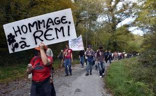 Lors d'une manifestation en hommage à Rémi Fraisse, sur le site du projet de barrage de Sivens.