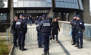 Le procès des deux policiers se poursuit jusqu'à vendredi devant le tribunal correctionnel de Rennes.