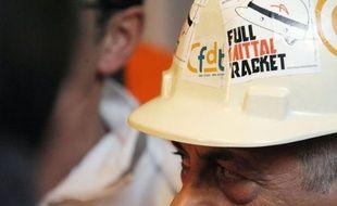 C'est à la déception des syndicats et à une direction d'ArcelorMittal muette sur une partie des engagements évoqués par le gouvernement que l'exécutif va faire face cette semaine, après la décision vendredi de faire confiance à l'aciériste plutôt que de nationaliser Florange.