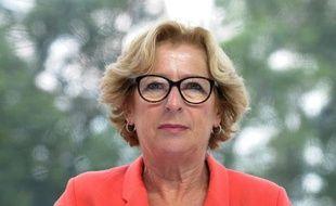 La ministre de l'Enseignement supérieur, Geneviève Fioraso, devait présenter mardi matin un plan en faveur de l'entrepreneuriat étudiant, permettant notamment aux jeunes diplômés souhaitant créer leur entreprise de conserver leurs droits sociaux.