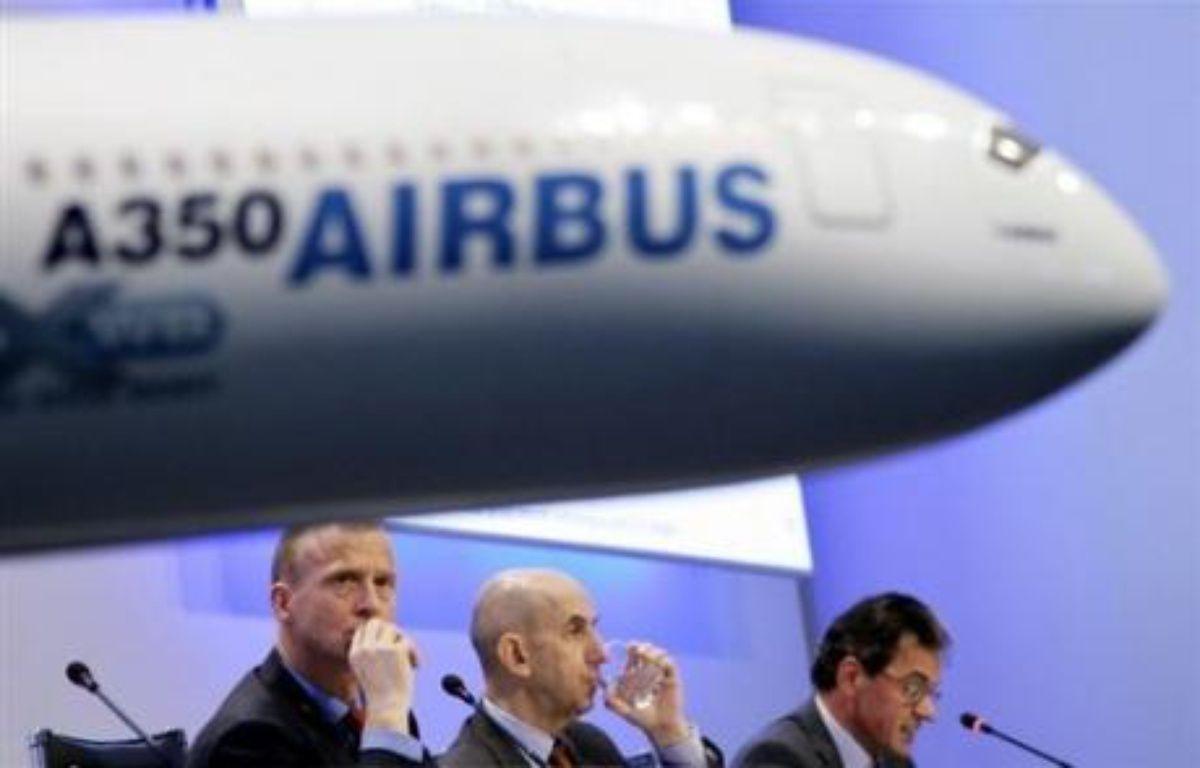 Airbus a signé avec Tunisair un accord pour une commande ferme de seize avions et a pris option pour trois appareils supplémentaires, à l'occasion de la visite du président français Nicolas Sarkozy en Tunisie, a annoncé mardi l'Elysée à Tunis. – Joerg Koch DDP/AFP/Archives
