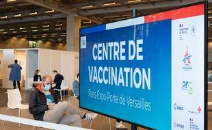Un centre de vaccination, à Paris le 15 mai 2021.