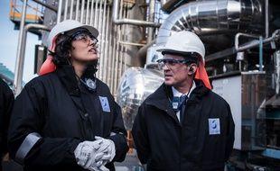 La ministre du Travail Myriam El Khomri et le chef du gouvernement Manuel Valls, à Chalampe, le 22 février 2016.