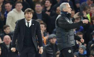 Antonio Conte et José Mourinho lors de Chelsea-Manchester United, le 13 mars 2017.