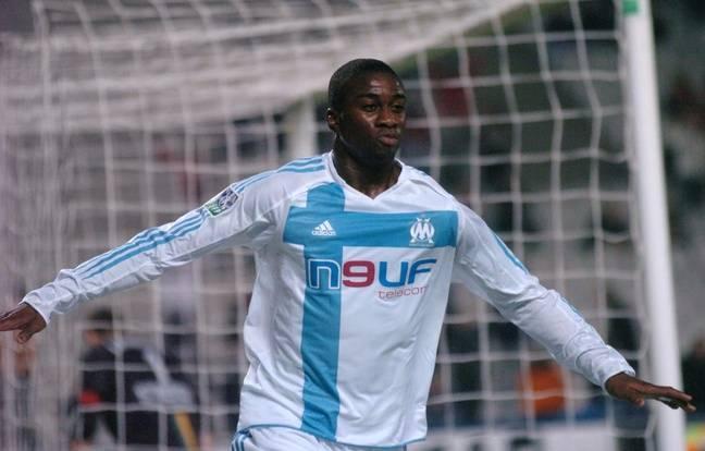 Abdoulaye Meïté, après un but contre Nantes en 2004.