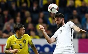 Olivier Giroud a ouvert le score pour la France d'un tir exceptionnel.