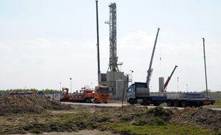 Un puits d'exploration de gaz de schiste près du village de Grzebowilk, en Pologne, le 27 avril 2011.
