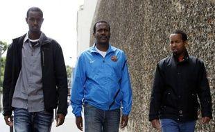 Remis en liberté à l'issue du procès de la prise d'otages du Ponant, trois Somaliens ont vécu vendredi à Paris leur premier jour de liberté après quatre ans de détention provisoire, durant lesquels ils n'ont cessé de clamer leur innocence.