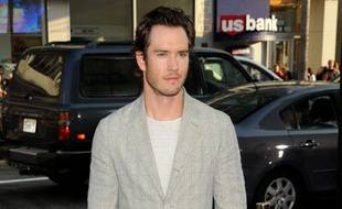 "L'acteur Mark Paul  Gosselaar arrive à la première du film ""Splice"" au Grauman's Chinese  Theatre de Los Angeles, le 2 juin 2010."