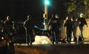 Un homme a été tué mardi soir vers 22H00 par une rafale de kalachnikov alors qu'il circulait en voiture dans les quartiers nord de Marseille, à proximité de la cité des Micoccouliers (14e arrondissement).