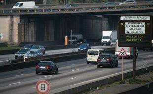 Les véhicules les plus polluants d'avant 1997 interdits en semaine à Paris