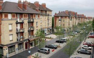 Des touristes au pied des cités du 9-3: inimaginable il y a une quinzaine d'années, la scène est devenue réalité, l'un des départements les plus pauvres de France ayant réussi à attirer touristes d'affaires et curieux