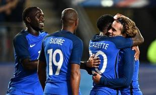 Les joueurs de l'équipe de France n'ont pas fait de détails face au Paraguay en amical (5-0), le 2 juin 2017.