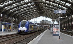 Lille, le 28 avril 2011. Illustration sur la SNCF en gare de Lille - Flandres.