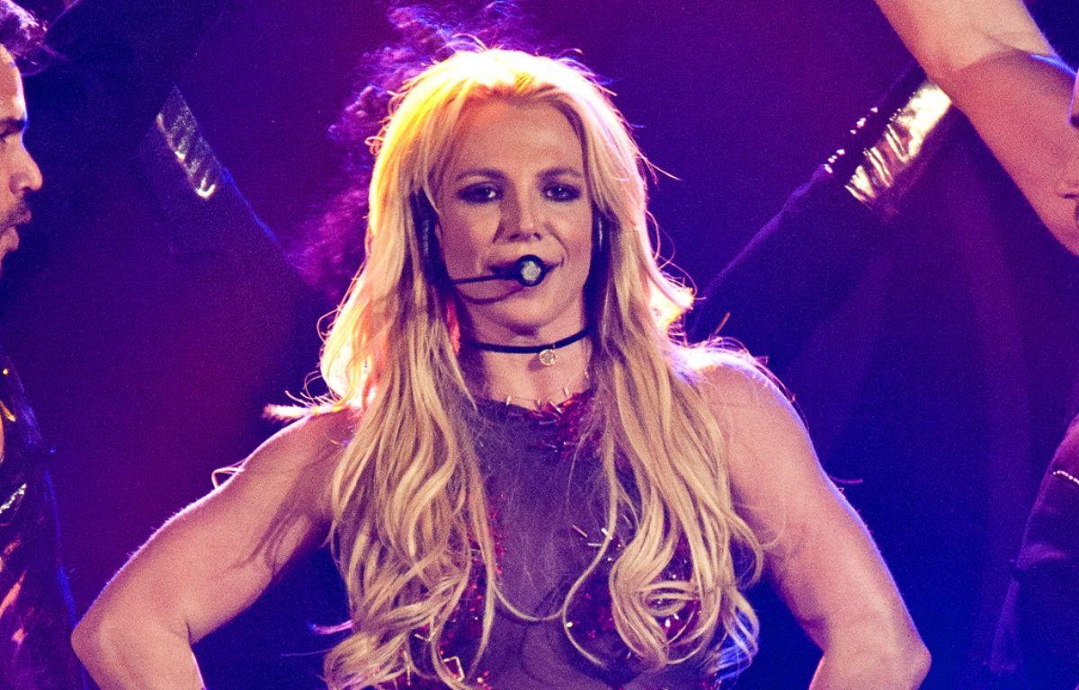 La chanteuse Britney Spears sur scène au Pepsi Jingle Bash de 2010. – WENN