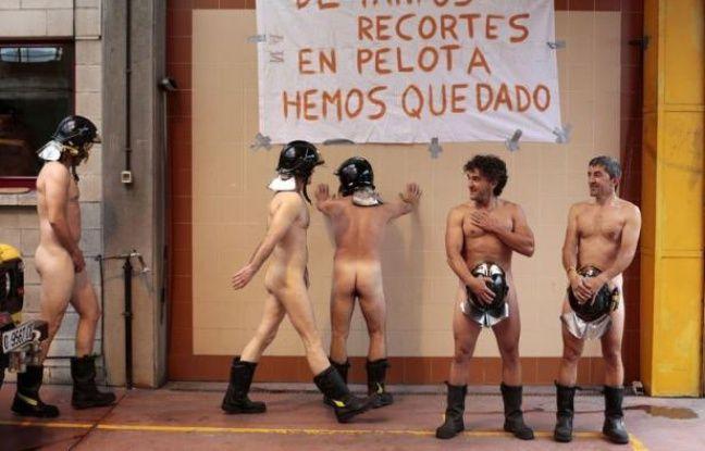 Pour protester contre la politique de rigueur du gouvernement, huit pompiers ont posé nus, jeudi, dans une petite ville du nord de l'Espagne, ajoutant une note insolite aux manifestations syndicales prévues dans la soirée dans tout le pays.