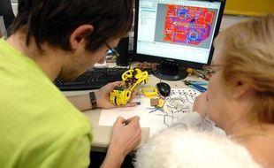 Formation en «Genie Electrique et Informatique Industrielle» à l' Institut Universitaire de Technologie (IUT) de Cachan.