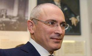 Le Russe Mikhaïl Khodorkovski au musée du Mur de Berlin le 22 décembre 2013.