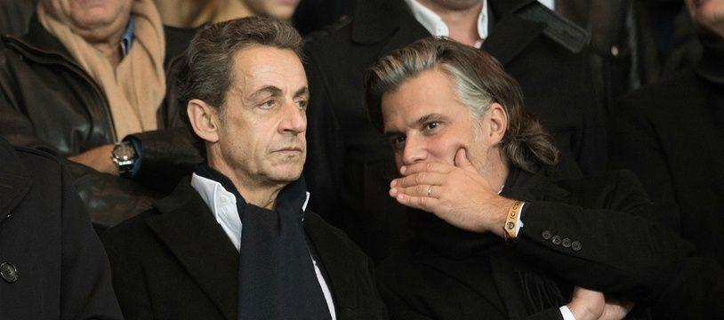 Vincent Labrune aux côtés de Nicolas Sarkozy, en octobre 2015, lors du Classico PSG-OM.