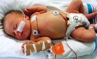 Illustration d'un nouveau né hospitalisé.