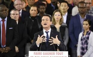 Manuel Valls est candidat.