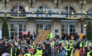 """Manifestation de """"gilets jaunes"""" lors de l'acte 10 à Bordeaux."""