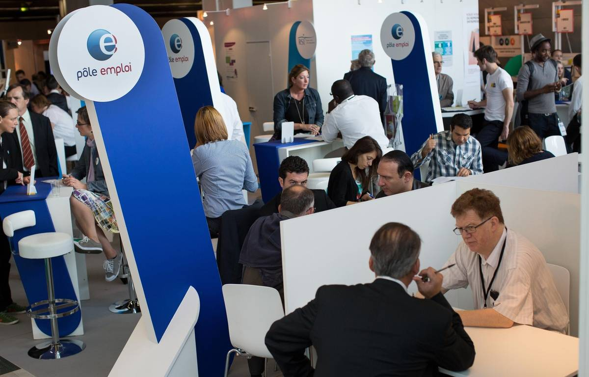 Pole Emploi stand. Micro-enterprise, visiting small businesses in 2014, takes place from September 30 to October 2. Paris, FRANCE-01/10/2014./MEIGNEUX_meigneuxB010/Credit:ROMUALD MEIGNEUX/SIPA/1410011819 – SIPA