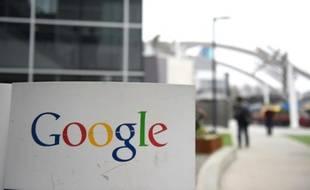 Le logo de Google à l'entrée du campus de Google à Mountain View en Californie, le 20 février 2015