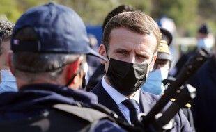 Emmanuel Macron lors d'une visite à la frontière espagnole, en novembre 2020. (archives)