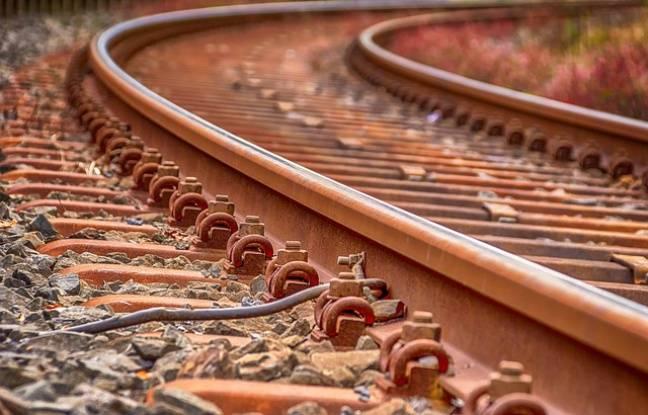 648x415 rails train