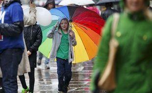Un enfant sous la pluie (photo illustration)