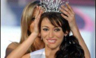 Rachel Legrain-Trapani, Miss Picardie, âgée de 18 ans, a été élue Miss France 2007 samedi soir par les téléspectateurs et un jury de personnalités présidé par le chanteur Michel Sardou et la comédienne et humoriste Muriel Robin, au Futuroscope, parc de loisirs situé près de Poitiers (Vienne).