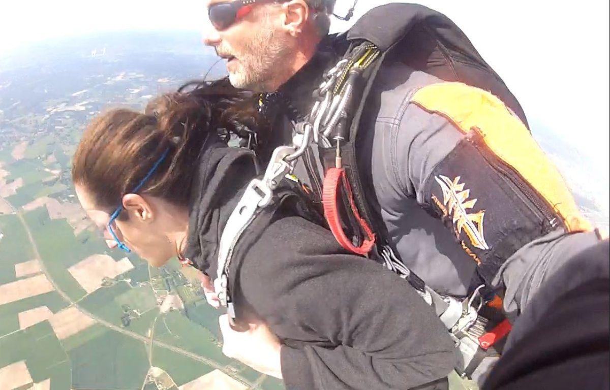 On a testé la chute libre en tandem à Fly Attitude à Vimory dans le Loiret.  – Capture d'écran