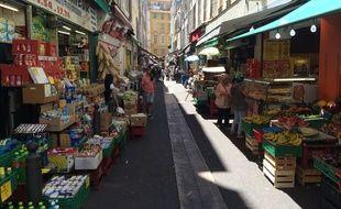 Une ruelle dans le quartier de Noailles à Marseille.