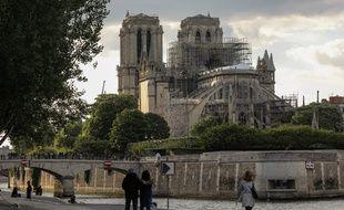 La cathédrale Notre-Dame de Paris, le 29 avril 2019, deux semaines après l'incendie qui a ravagé une partie de la toiture.