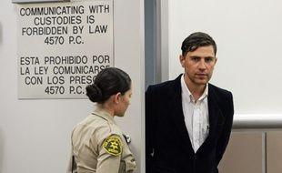 L'Ukrainien Vitalii Sediuk est présenté devant la cour supérieure de Los Angeles, le 30 mai 2014, après avoir frappé Brad Pitt lors d'une avant première.