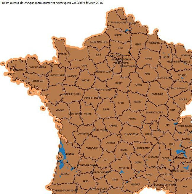 En marron: les zones qui seraient interdites aux éoliennes.
