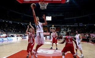Le CSKA Moscou, seule équipe invaincue lors de la première phase de l'Euroligue de basket messieurs, a entamé mercredi le Top 16 avec une onzième victoire, sur le parquet des Grecs d'Olympiakos (86-78).