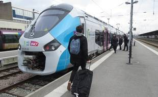 Les nouveaux trains régionaux TER Regiolis, en gare de Nantes.