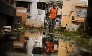 Les autorités philippines craignaient des épidémies dimanche après les inondations meurtrières qui ont affecté près de deux millions et demi de personnes à Manille, dont près de 400.000 étaient toujours hébergées dans des conditions d'hygiène déplorables.
