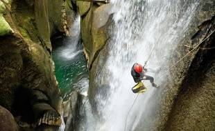 Illustration : du canyoning au Canada.